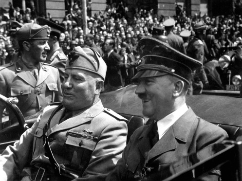 http://en.wikipedia.org/wiki/File:Hitler_and_Mussolini_June_1940.jpg// PD