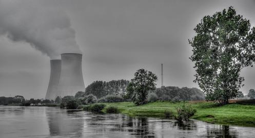 Nuclear. Imagen en Pixabay, Licencia DP